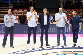 Ferrán López, Salva Guardia, Perasovic, Solana y Marko Popovic recibieron el calor de los fuenlabreños