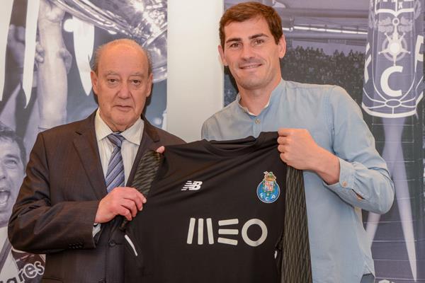 Iker Casillas seguirá un año más en Oporto