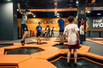 Trampoline Park nos da la bienvenida con una oferta de entrada gratuita el jueves y tarifas especiales de 2x1 el viernes de la mano de Urban Planet