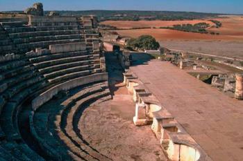 El Yacimiento Arqueológico de Segóbriga, el Monasterio de Uclés y la ruta de Isabel la Católica son los enclaves culturales escogidos