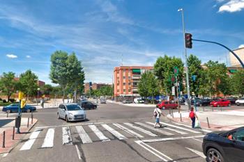 Instalado en el cruce de las calles Francia, Portugal y la Avenida de Europa