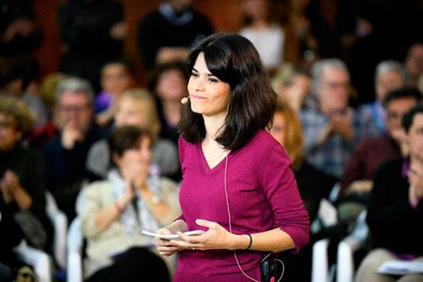 Isabel Serra denuncia el abandono que impregna el sur