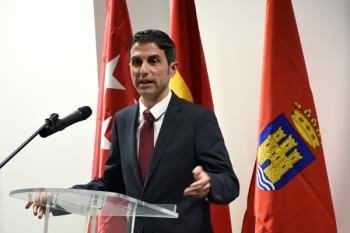 Sustituye al alcalde de Fuenlabrada, Manuel Robles