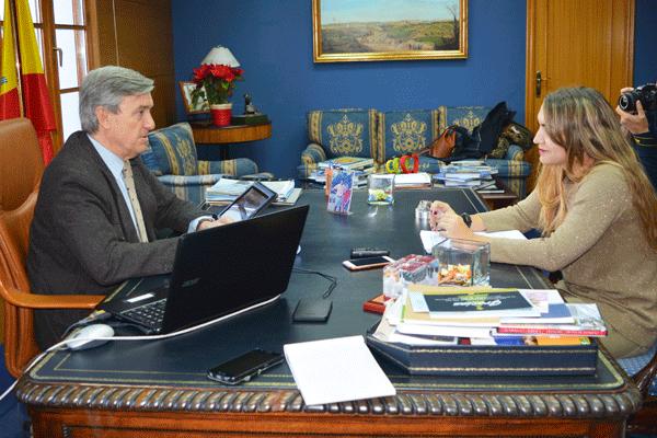 El Alcalde de Villaviciosa hace balance en nuestro medio sobre cómo ha sido el 2016 y nos anuncia las propuestas que van a marcar el nuevo ejercicio
