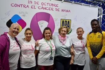 La Agrupación Deportiva Alcorcón se sensibiliza con el Cáncer de Mama con descuentos para las mujeres y colaboraciones con asociaciones