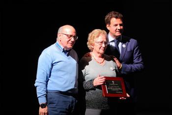 El ayuntamiento entregó un reconocimiento a título póstumo a Malena Garrido, fundadora de la entidad