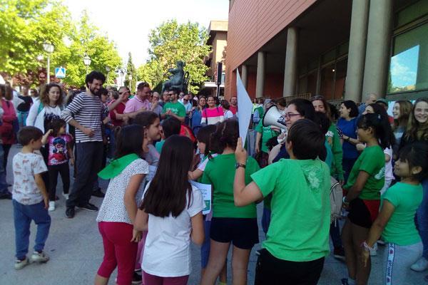 La Asociación de Vecinos pide ayuda para defender la educación pública