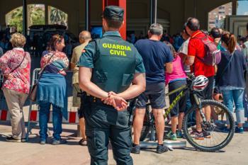 Los policías y guardias civiles que se trasladen a la comunidad recibirán ayudas para la vivienda, transporte y la escolarización