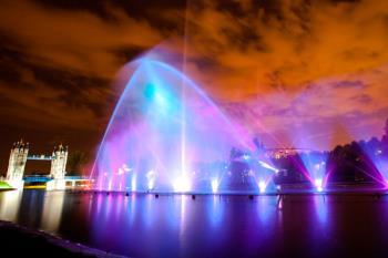 Ya podemos disfrutar del gran espectáculo de agua, luz y sonido en Torrejón de Ardoz