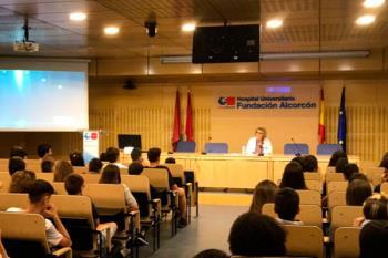 El programa, impulsado por el Hospital Universitario Fundación de Alcorcón, ha contado con la presencia de 180 alumnos