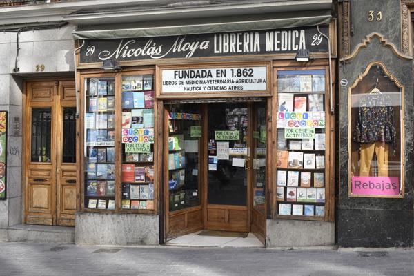 La Librería Nicolás Moya pone punto final a una historia centenaria