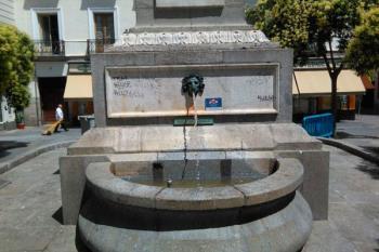 El Ayuntamiento ha mejorado la señalística en las fuentes cercanas al recorrido para señalar las no potables