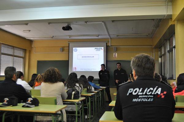 La Policía Municipal de Móstoles, incansable en la lucha contra el Bullying