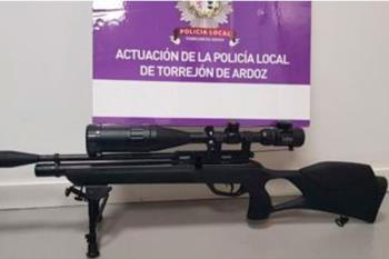 El dueño del arma no estaba en posesión de la licencia necesaria para disponer del arma