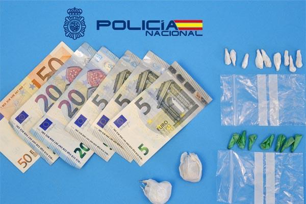 """Desmantelada una """"narco-sala"""" dedicada a la distribución y consumo de droga"""