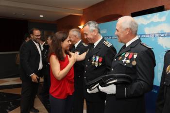 Se han entregado medallas y menciones especiales a miembros del cuerpo, personas o instituciones destacadas