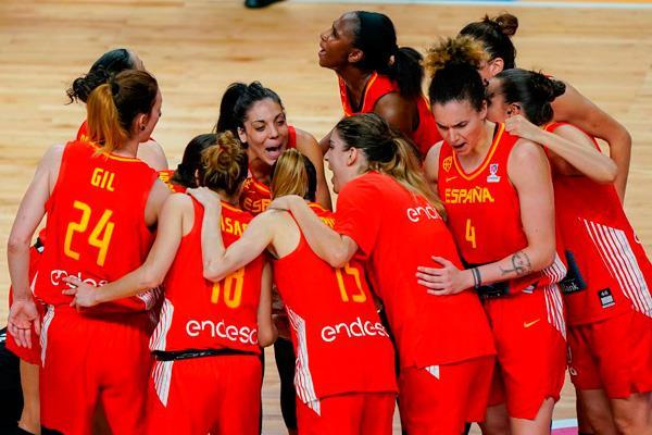 Las chicas de Lucas Mondelo se entrenan en el Jorge Garbajosa antes del torneo