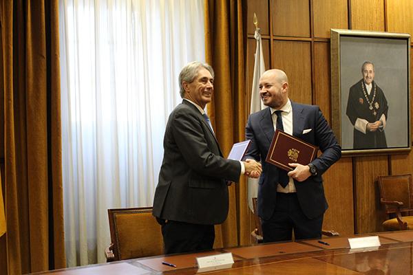 El convenio se ha firmado con la consultora internacional Thinking Heads