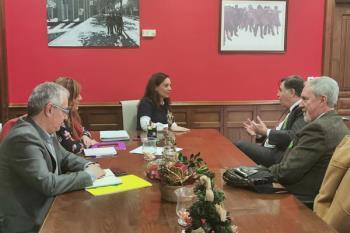 Con esta reunión se pretende mantener la empresa en el municipio, garantizando los puestos de trabajo