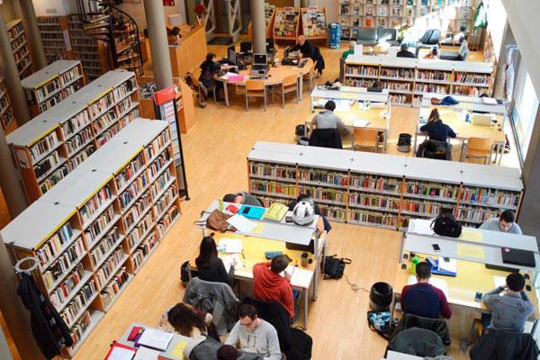 La biblioteca municipal de Villaviciosa permanecerá abierta en mayo y junio