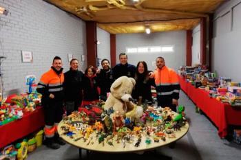 Los juguetes han sido donados por los vecinos y las empresas Airbus y John Deere