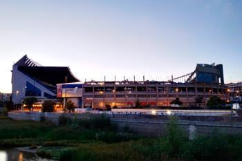 El mítico estadio del Atlético de Madrid, ya se encuentra casi derruido y los madrileños comparten imágenes de sus últimos días