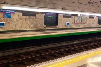 El lunes a última hora, se desprendió un falso techo con amianto que obligó a cerrar la estación de Metro