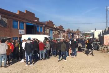 Según fuentes policiales, hasta 1.000 personas continúan de fiesta en el polígono industrial de Humanes