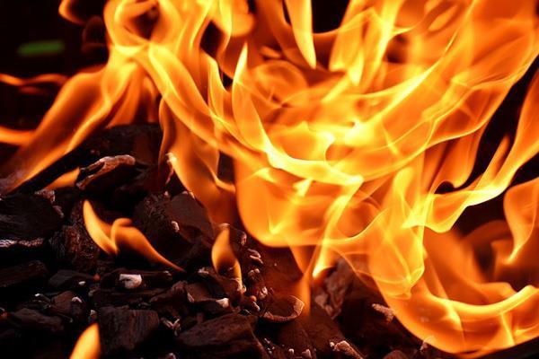 La hoguera de San Juan iluminará la noche del domingo en Alcalá