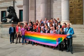 La Ley de Igualdad LGTBI se encuentra paralizada desde finales de febrero de este año en la Comisión de Igualdad del Congreso de los Diputados
