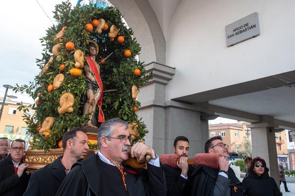 La procesión en honor a San Sebastián pone el punto y final a un fin de semana cargado de actividades
