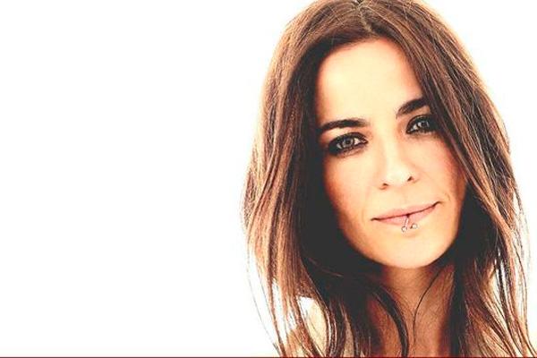 La cantautora de pop flamenco se sube al escenario de la Casa de la Cultura, este sábado, a las 20 horas