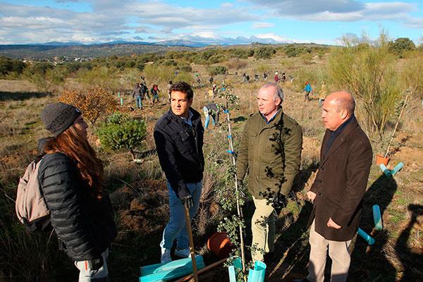 Dirigentes de la Cumbre del Clima han plantado 1.000 árboles en 1,2 hectáreas de terreno municipal