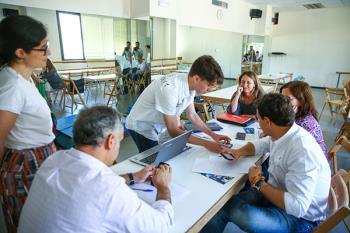 Una nueva edición del programa que pretende acercar a los jóvenes estudiantes al mundo de la empresa