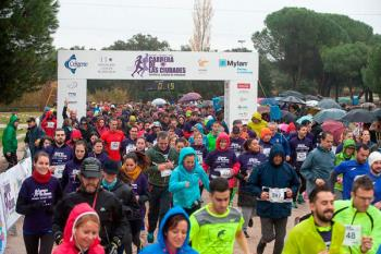 Las Rozas se calza las deportivas en la `IV Carrera de las Ciudades contra el Cáncer de Páncreas´