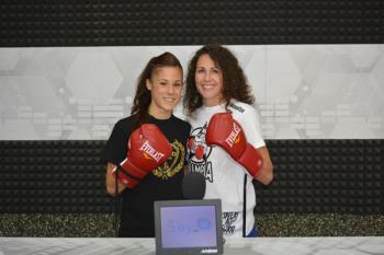 Las boxeadoras Paula Ruíz y Almudena Álvarez nos visitan tras disputar el BOXAM Internacional