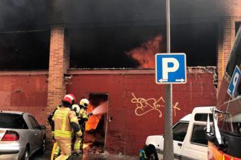 Cuatro personas han resultado intoxicadas leves en el incendio originado en la Travesía del Nuncio