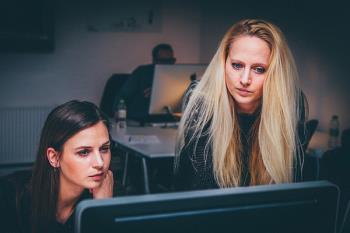 Según la OCDE, las mujeres ganan el 82% del salario de los hombres con los mismos estudios