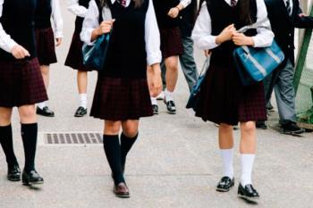 Alumnas de un colegio concertado se ven obligadas a utilizar falda como parte del atuendo escolar