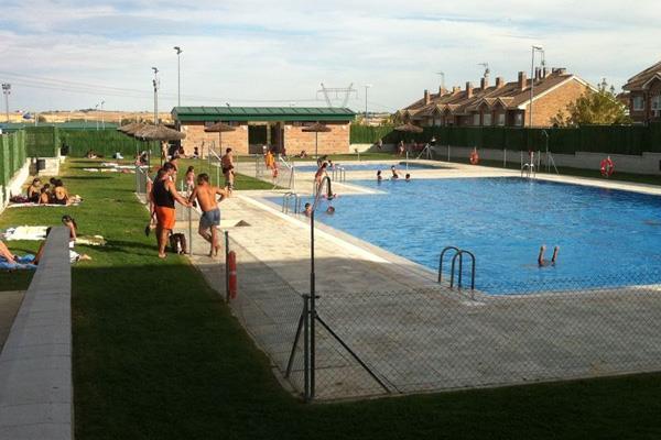 Las piscinas de Arroyomolinos al fin abren sus puertas