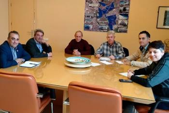 El alcalde, Javier Corpa, mantuvo una reunión con sus representantes donde tomó buena nota de sus demandas