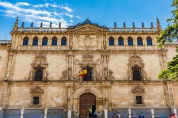 La Comunidad de Madrid firma seis nuevos convenios con las universidades públicas para impulsar estos estudios de posgrado