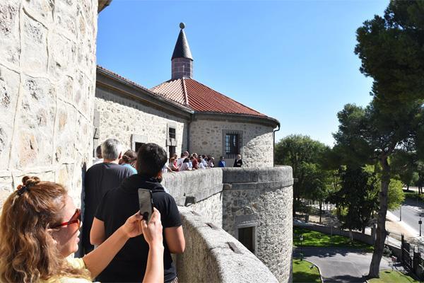 Las visitas guiadas al Castillo de Villaviciosa de Odón, un éxito