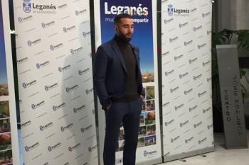Los galardonados recibieron la distinción a manos del alcalde de Leganés