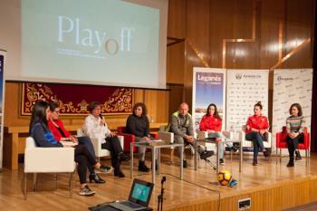 Un encuentro en el que participaron las actrices de La Joven Compañía y jugadoras de la ciudad