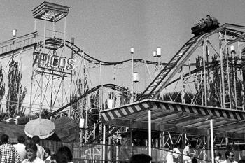 La muestra recoge algunas de las atracciones más populares y espectáculos emblemáticos desde el 1969