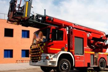 El nuevo camión de bomberos estará dotado con los más modernos sistemas y contará con una autoescala articulada