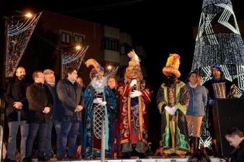 """El alcalde David Pérez llama """"imbécil"""" al concejal de la oposición que criticó la publicidad en las vallas"""