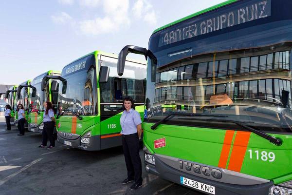 Los autobuses harán paradas a demanda de menores y mujeres