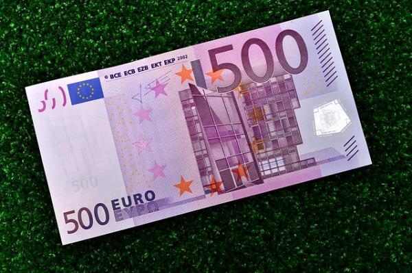 Los bancos pretenden suprimir totalmente el pago en efectivo a largo plazo